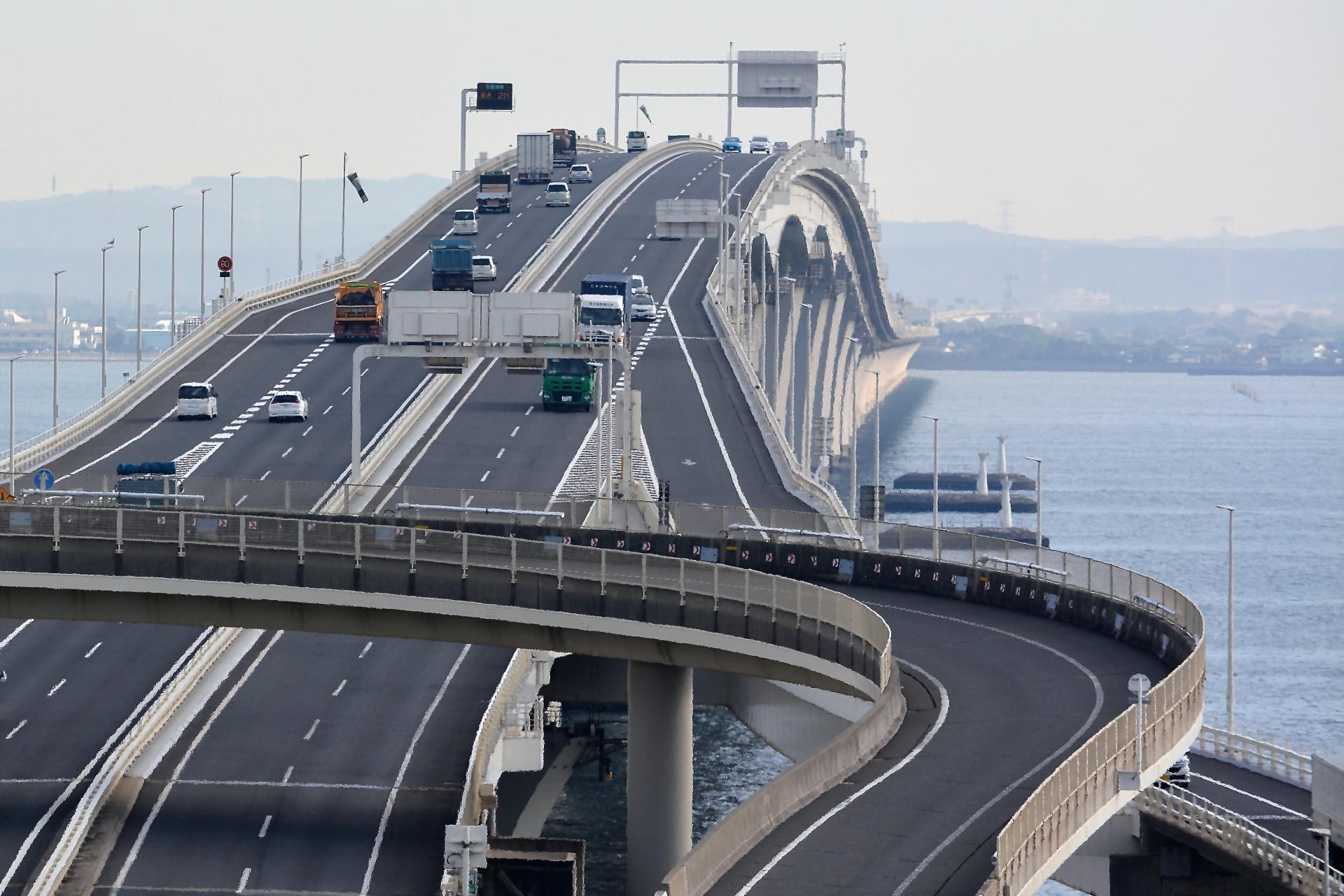 高速道路料金の経費削減ならETCコーポレートカード!メリット・デメリットを解説